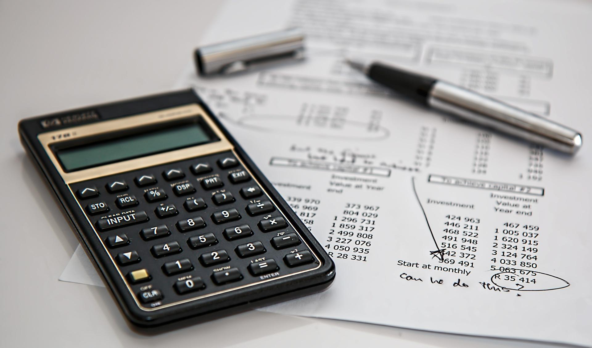 Der Vorläufigkeitsvermerk und die fragliche Gewinnerzielungsabsicht des Reithallenbetriebs